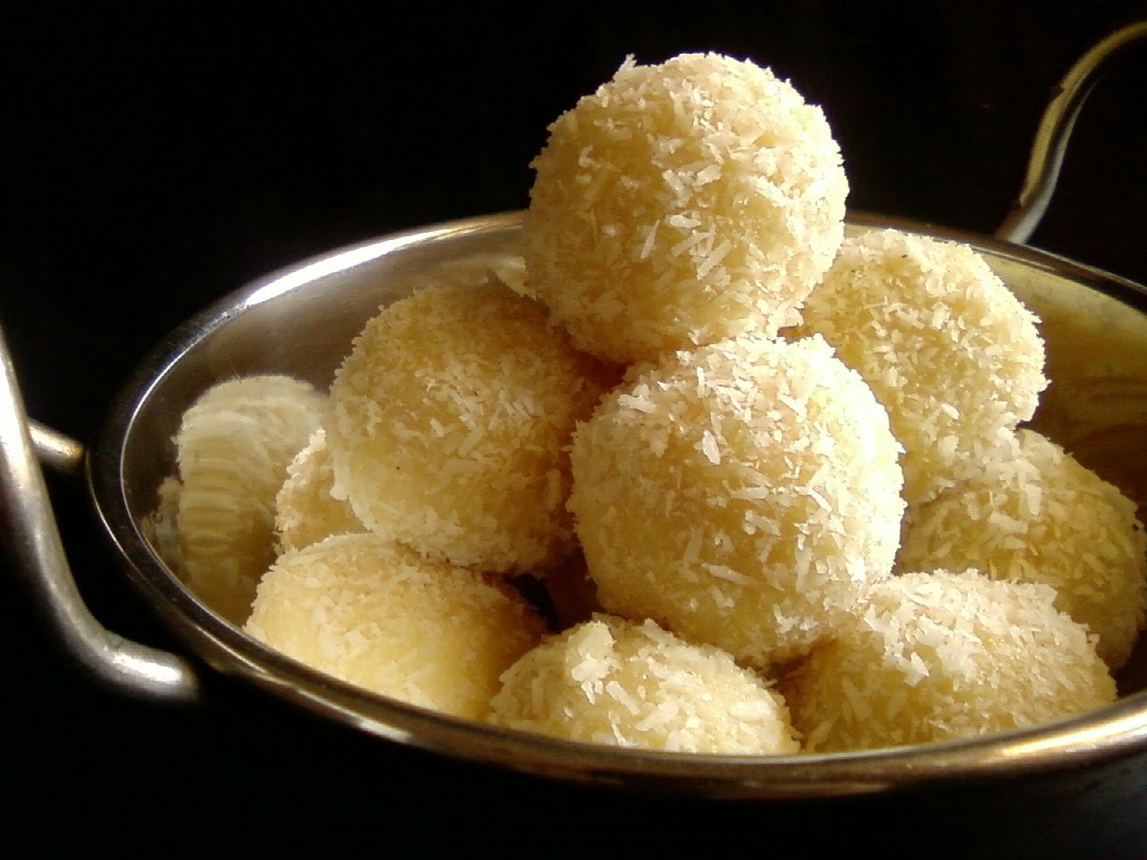 These bit-sized delicacies pack a sweet punch (mimpidreams.blogspot.com)