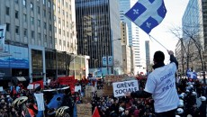 Protesters swelled through the streets of Downtown Montreal. (Emma Hameau / McGill Tribune)
